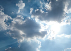 Короткое видео небо с облаками.