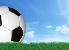 Изображение футажи для видео на зеленом фоне и футбольный мяч
