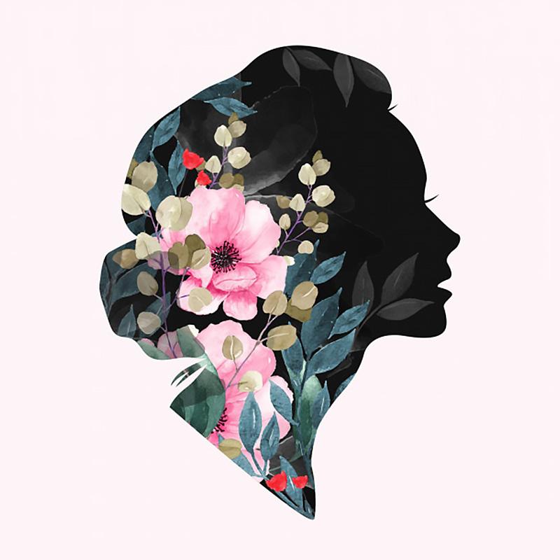 Женский силуэт головы с розовыми цветами мака и зелёными ветками растений.
